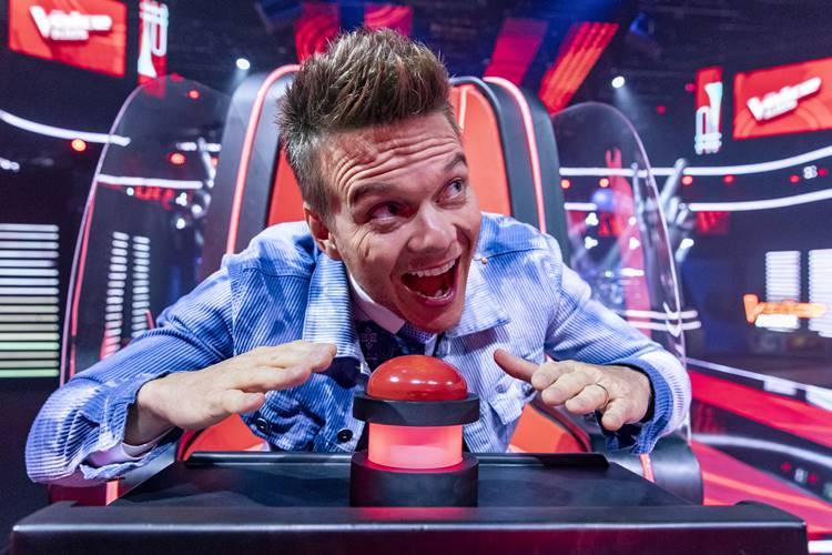 Michel Teló anuncia que mais uma temporada do The Voice Brasil  está chegando