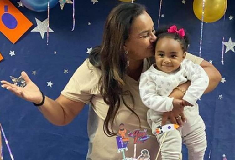 """Solange Couto celebra primeiro aniversário da neta: """"Vovó te ama muito"""""""