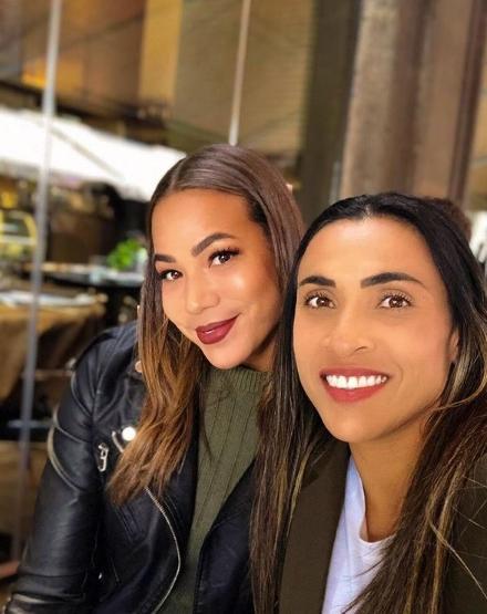 Jogadora Toni Deion e jogadora Marta foto reprodução Instagram