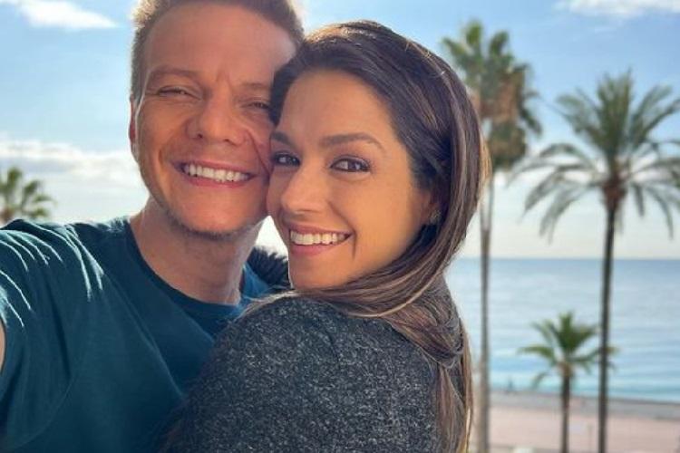"Michel Teló declara o seu amor por Thais Fersoza após sete anos de casados: ""meu número"""
