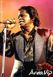 Viúva de James Brown consegue entrar na casa do cantor