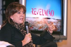 Íris Abravanel se irrita com horário de novela, diz jornal