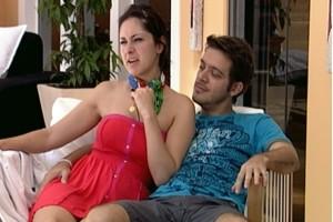 Max e Fran acham que a nova Casa de Vidro tem a ver com Prova do Líder