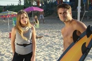 Vitória Frate e Java Mayan gravam cenas de 'Caminho das Índias' na praia