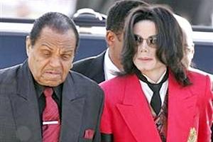 Pai de Michael, Joe Jackson está em São Paulo para divulgar livro