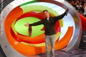 Luciano Huck recebe o título de melhor apresentador, por jornal carioca