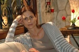 Personagem de Silvia Pfeifer em 'Bela, a Feia', vai viver em cárcere privado