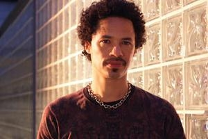 Eagle-Eye Cherry faz show ao vivo na casa