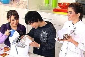 Patrícia Salvador desafia Yudi e Priscilla na cozinha