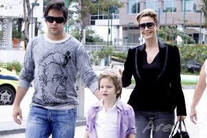 Murilo Benício e Guilhermina Guinle levam Pietro para visitar a  mãe da maternidade
